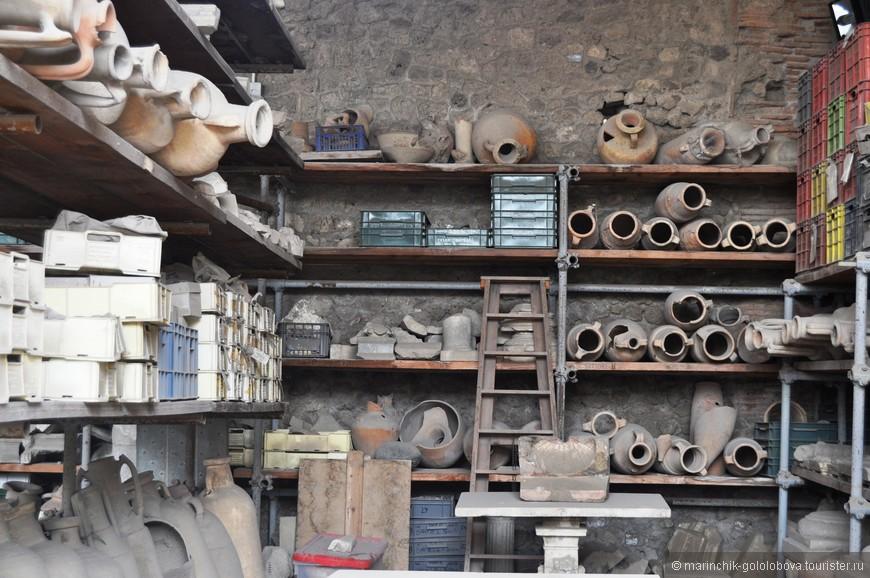 До сих пор в городе ведутся раскопки. И в очередной раз доказывается, что Помпеи был очень богатым городом.