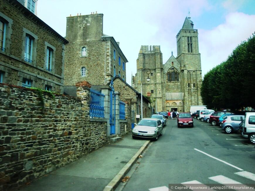 Городок Дол-Бретань