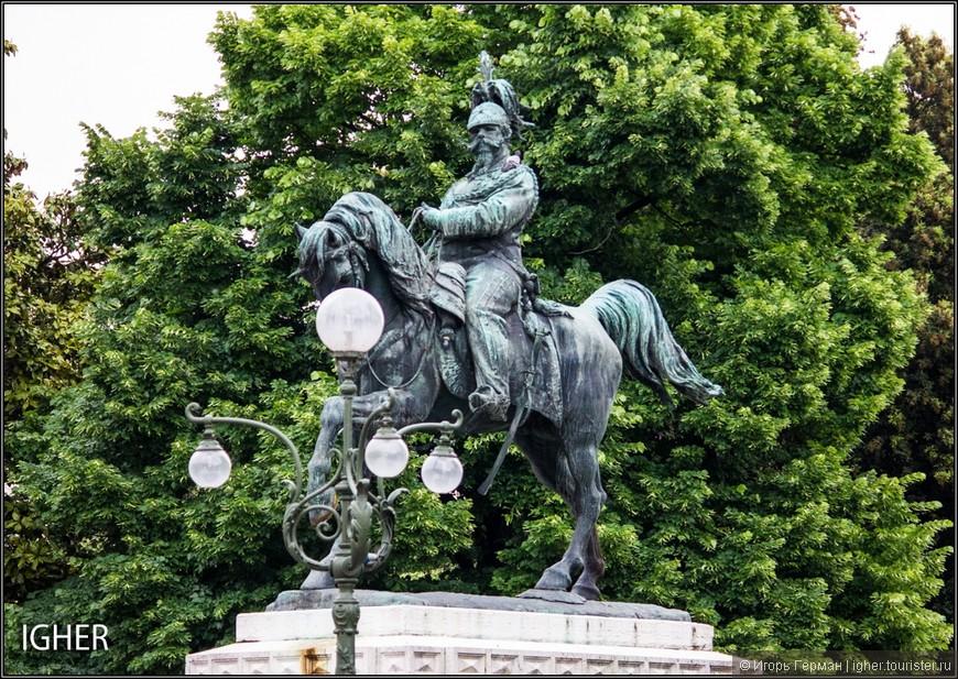 веронский памятник все итальянскому королю-королевичу...присутствует везде в Италии как Ленин в СССР