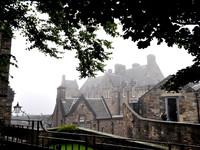 Шотландия. Эдинбургский замок в тумане...