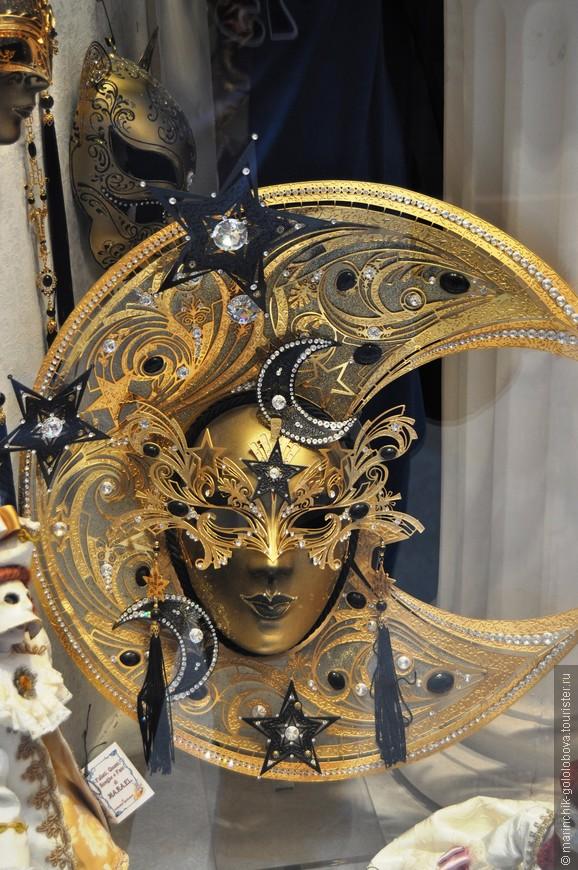 Венецианские маски просто потрясают своей красотой (и ценами тоже)