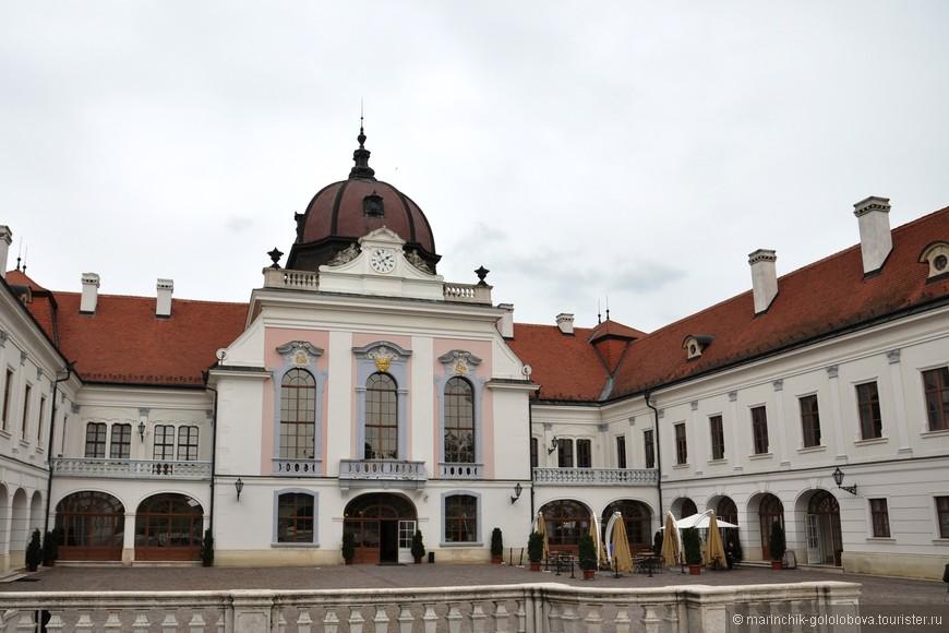Внутренний двор дворца.
