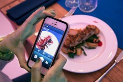 В Лондоне можно поужинать за фотографию блюда в Instagram