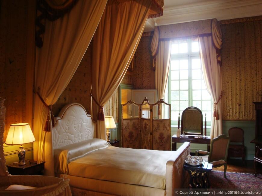 А это уже спальня в стиле 19 века