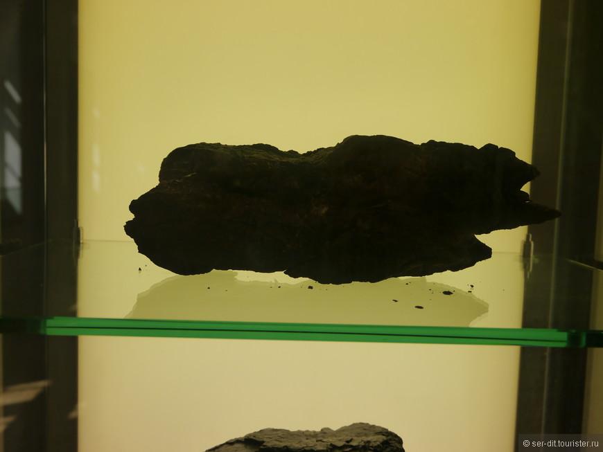 вот он кусок бурого, по немецки braun-коричневого угля