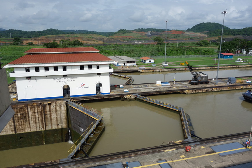 Первый шлюз Панамского канала
