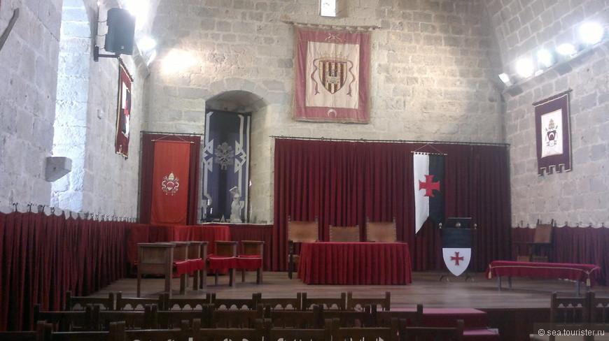 Рыцарский зал замка