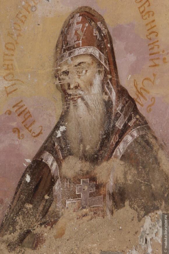 В интерьерах Спасской церкви сохранились большие фрагменты великолепной росписи. Фото Балабанова Н.