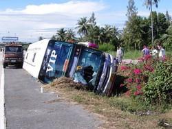 В Таиланде автобус с путешественниками из Вьетнама попал в ДТП