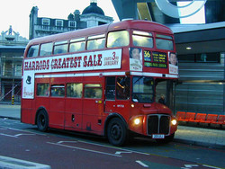 Абу-Даби приглашает совершить экскурсию на двухэтажном автобусе