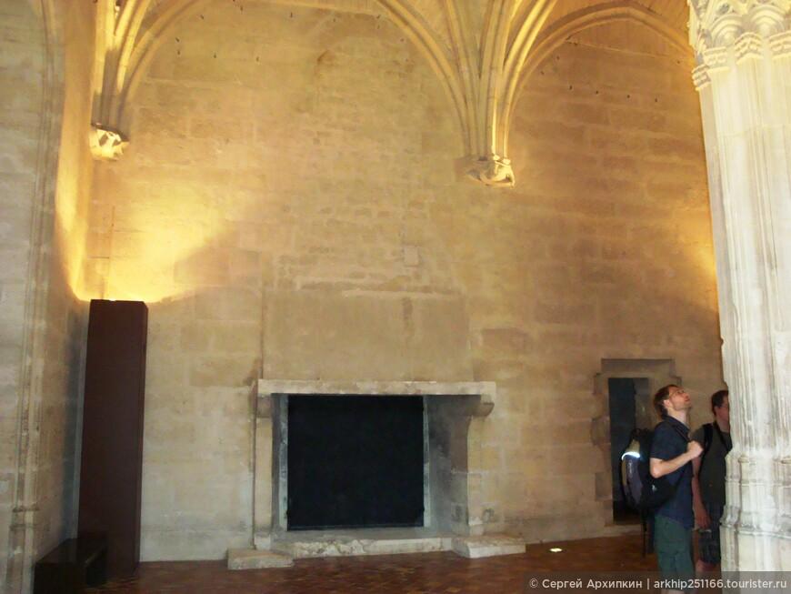 Камин в Венсенском замке