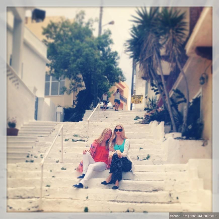 В пасмурный день решили съездить в город Агиос Николаос, от Xерсонисос местным автобусом, время в пути около часа (45-55 мин.) билет в один конец 4,10€.