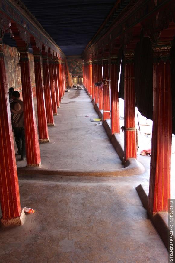 коридор фресок