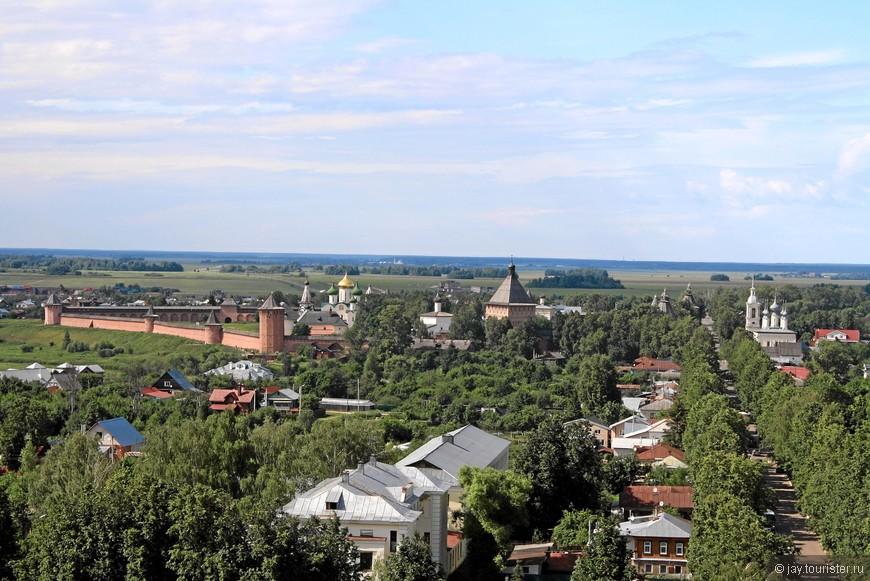 Вид на Спасо-Евфимиев монастырь с колокольни Ризоположенского монастыря