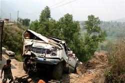 В Индии автобус с туристами вновь попал в аварию