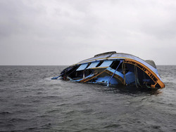 Более 60 человек пропали без вести после кораблекрушения в Малайзии