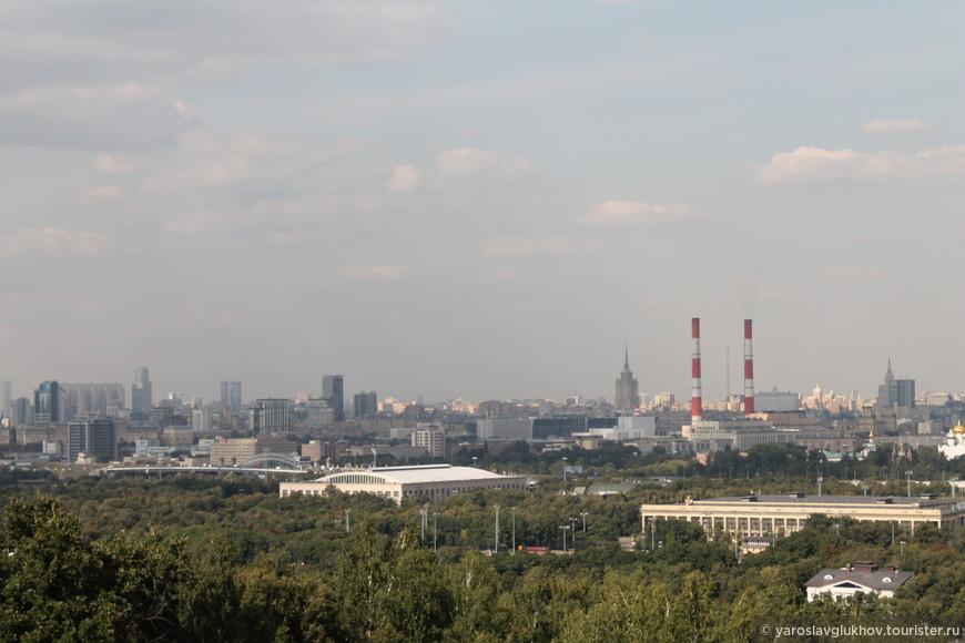 """Гостиница """"Украина"""", Останкинская телебашня, Белый дом, жилой дом на Кудринской площади, Новодевичий монастырь."""