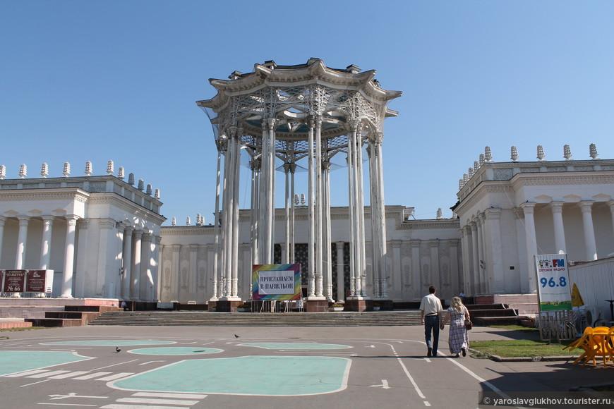"""Павильон №66 """"Узбекская ССР""""."""