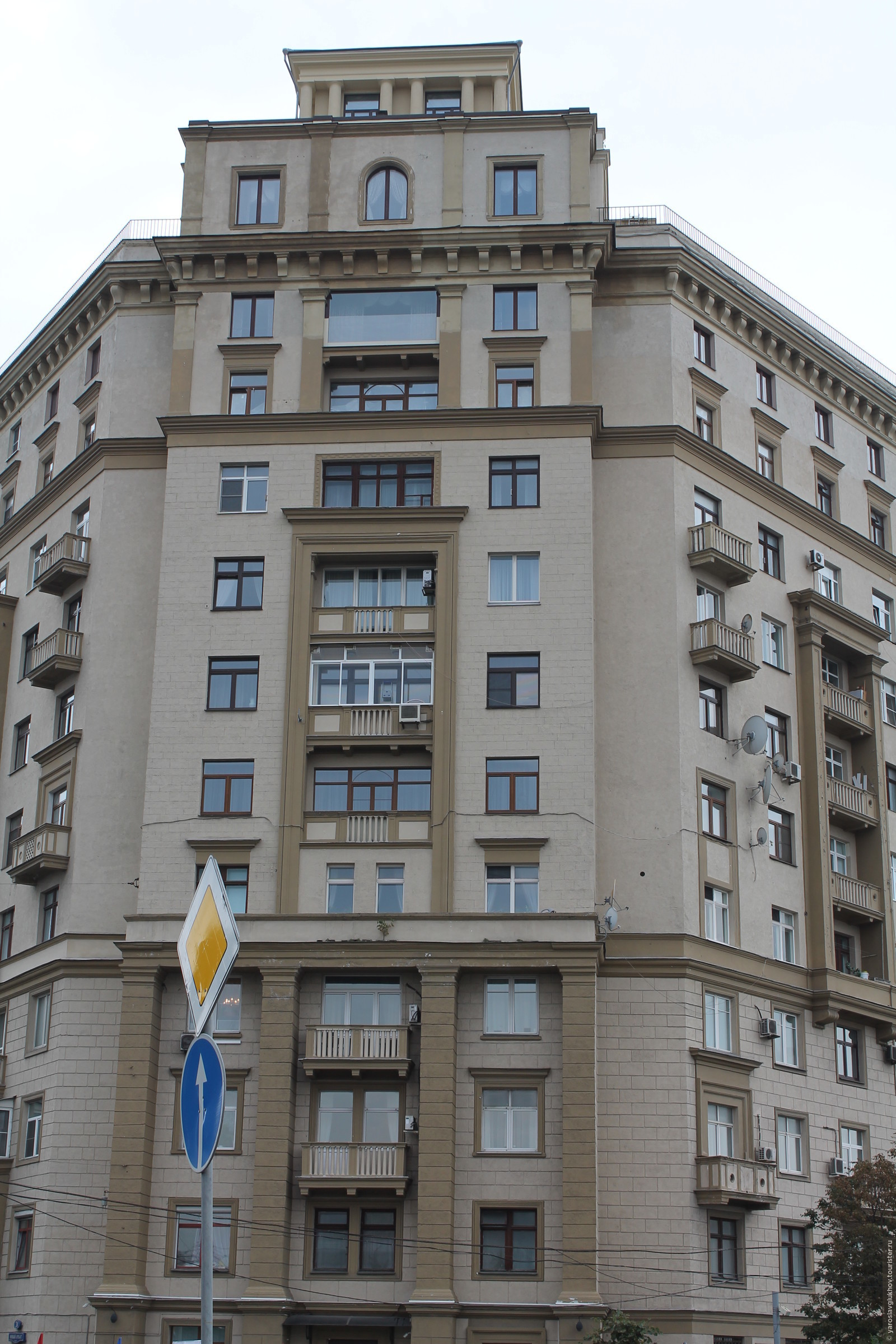 Жилой дом., Смоленская Москва