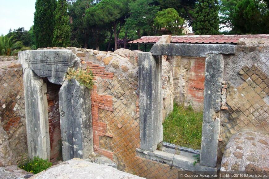 В Остии сохранились в хорошем состояние постройки,которым 2 тысячи лет