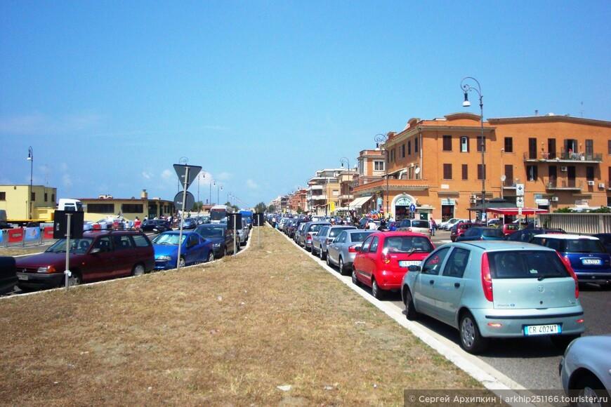 Выходим к морю вдоль которого тянется улица -Lungomare Paolo Toscanelli
