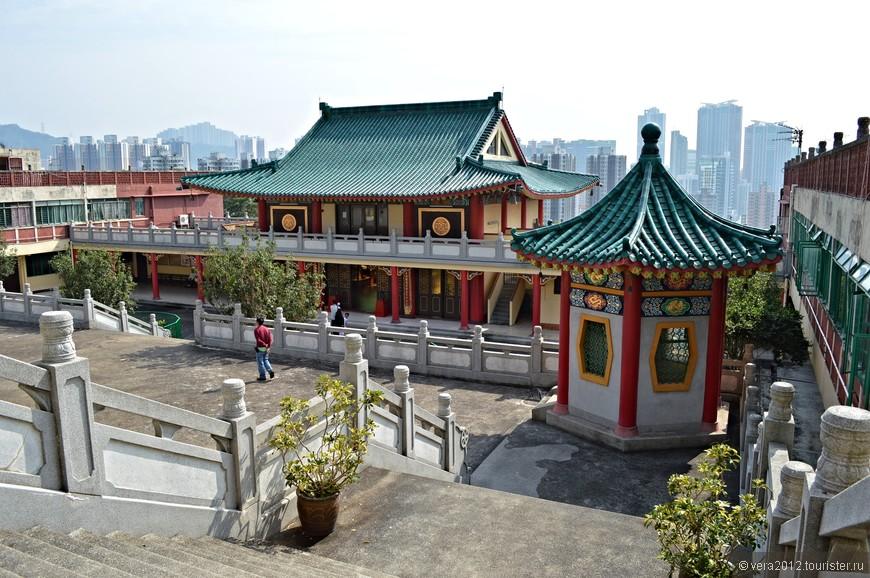 Взгляд на тыльную сторону первого храма