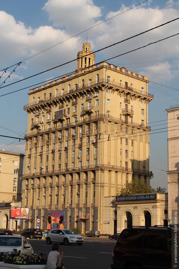 На Кутузовском проспекте.