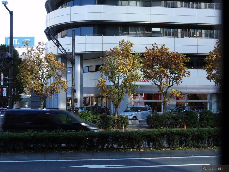 Салон Хонды в Токио.