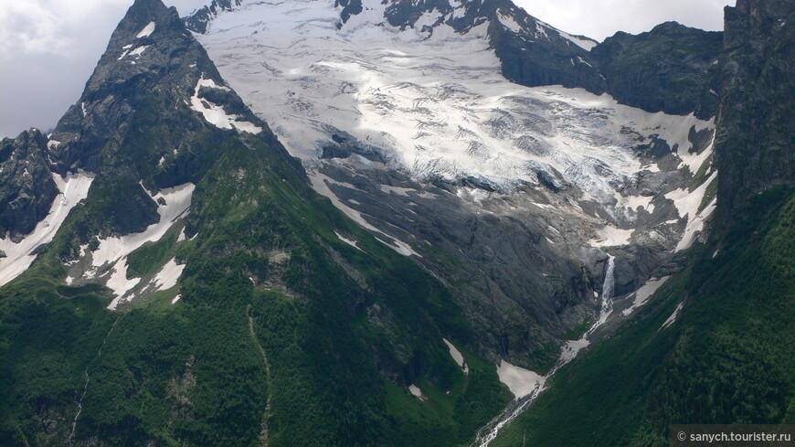 11.14 Ледник и водопад.JPG