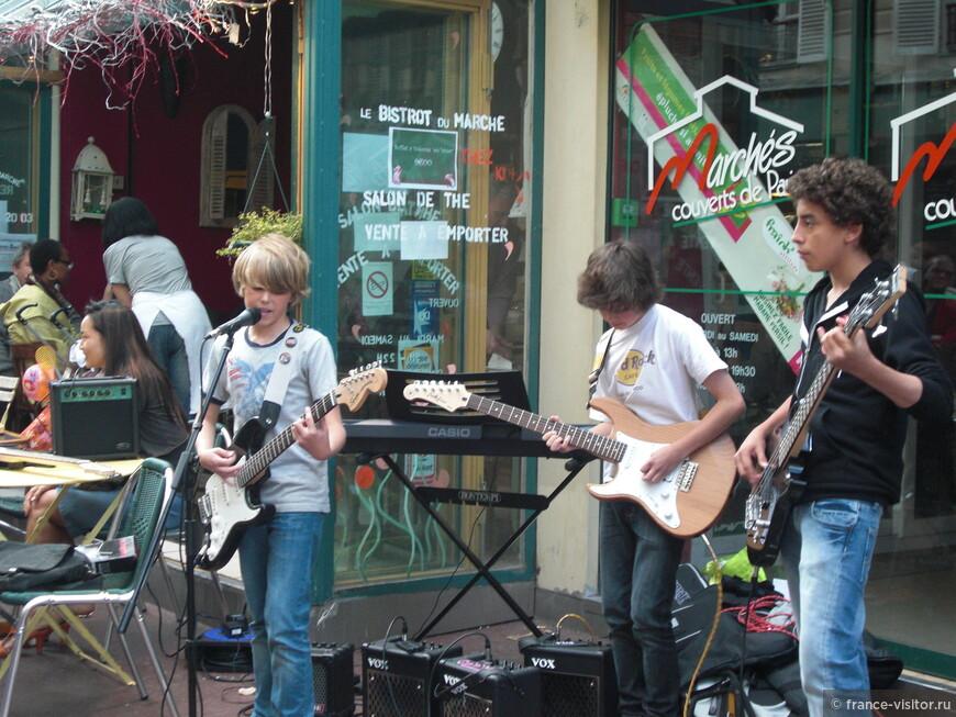 Ежегодный праздник музыки в Париже.