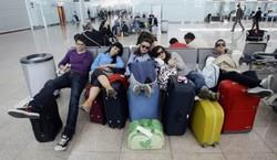 Более трехсот казахских туристов не могут вылететь из Турции