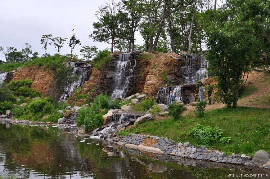 водопады русский остров набережная