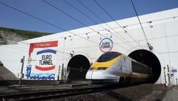 Под Ла-Маншем из застрявшего в тоннеле поезда эвакуировали около 400 пассажиров