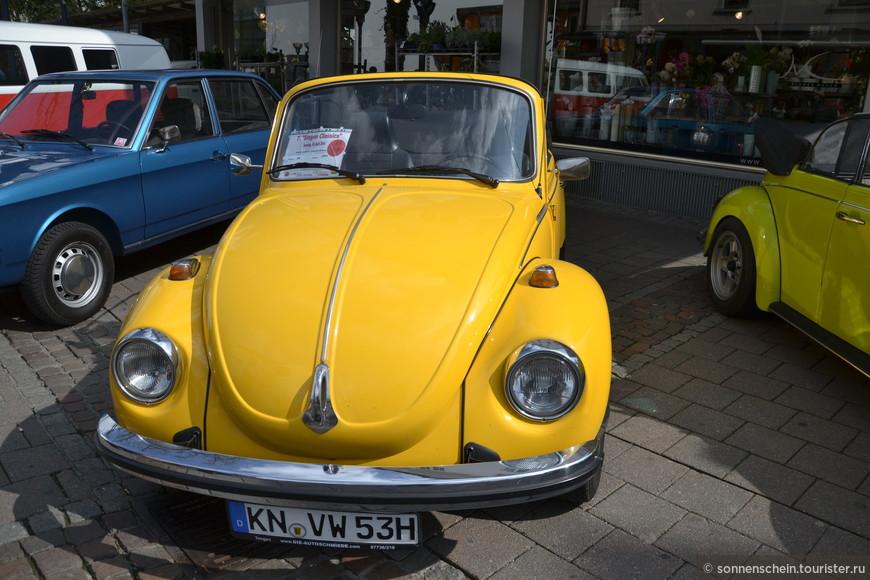 «Народное» авто простой заднемоторной конструкции и 25 «лошадями» двигателя воздушного охлаждения, максимально дешевая в производстве, обслуживании. За 990 рейхсмарок путем длительных небольших платежей (5 марок в неделю, досрочно оплатить было невозможно), ожиданий до 60-ых каждый немец мог приобрести новую машину.