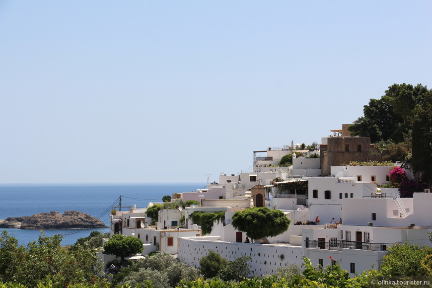 Линдос. Из трех древних городов (Линдос, Камирос и Яллисос) только Линдос сохранился как жилой город.