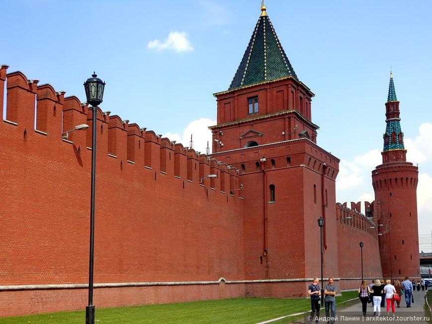 Петровская и Москворецкая башни.