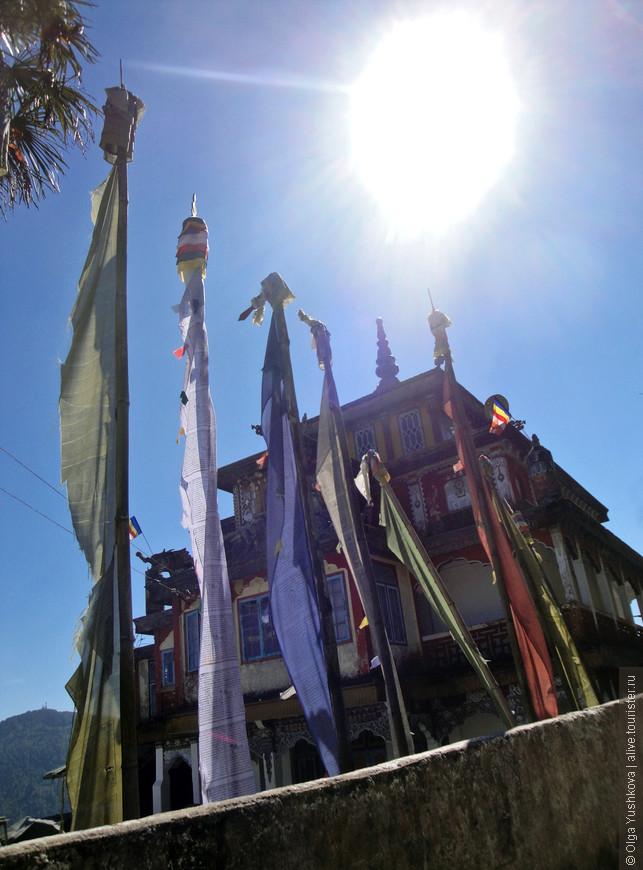 Вид на храм с другой стороны...