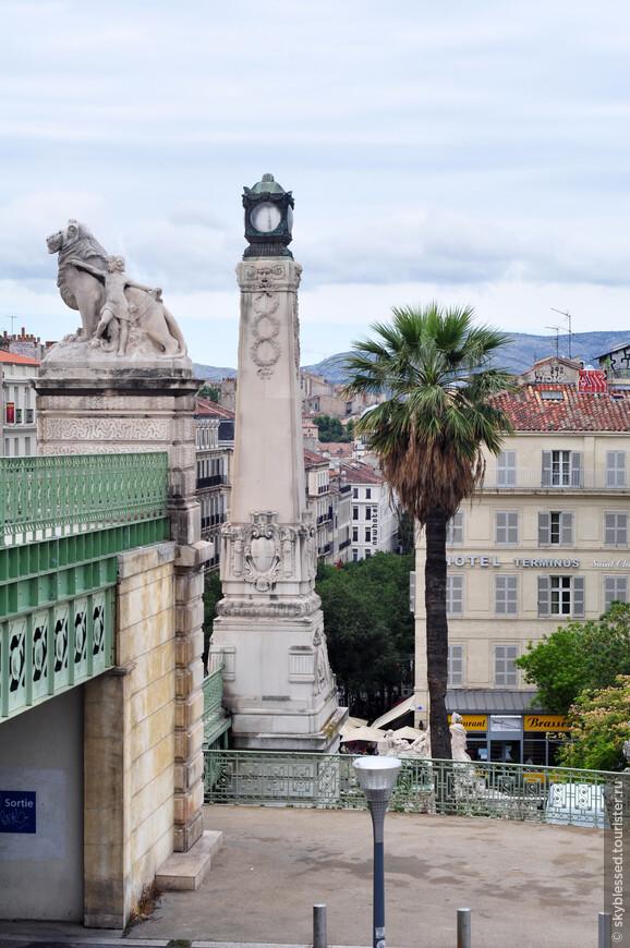 вид с центральной ж/д станции Gare Sainte Charles в Марселе