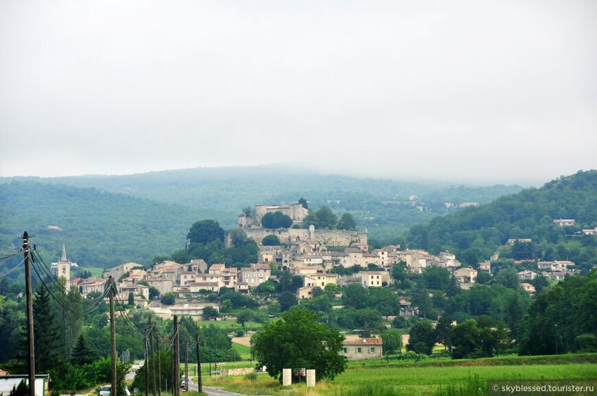 вид на город Forcalquier