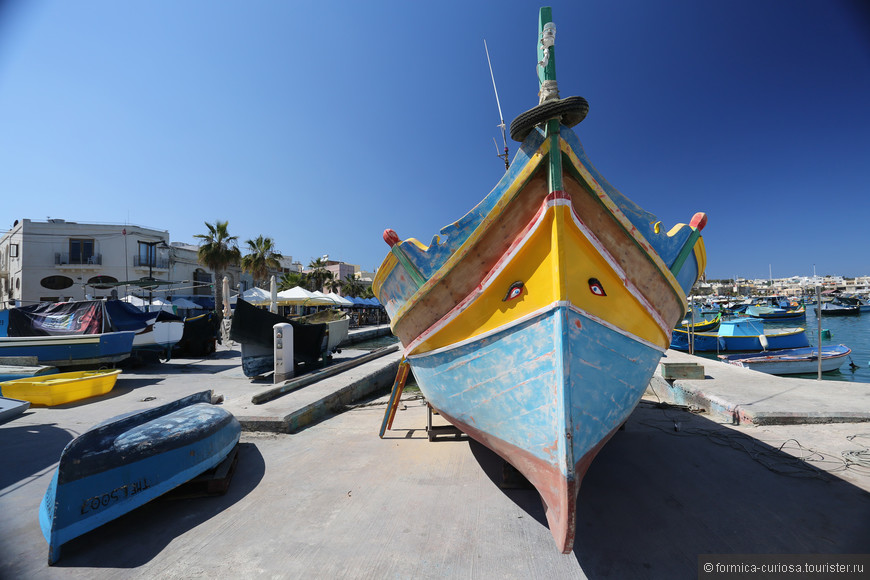 Традиционные лодки луцци.