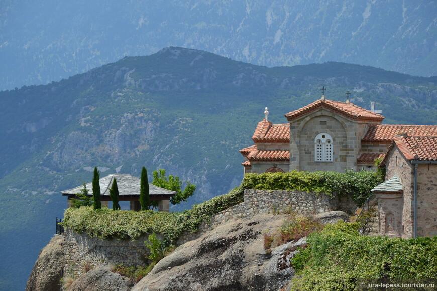 Поначалу эти вершины использовались, чтобы быть поближе к богу и наедине помолиться.