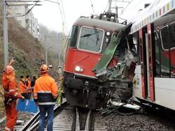 В Южной Корее столкнулись два пассажирских поезда: есть жертвы