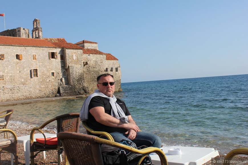 У стен Будванской крепости, под шум прибоя Адриатического моря...