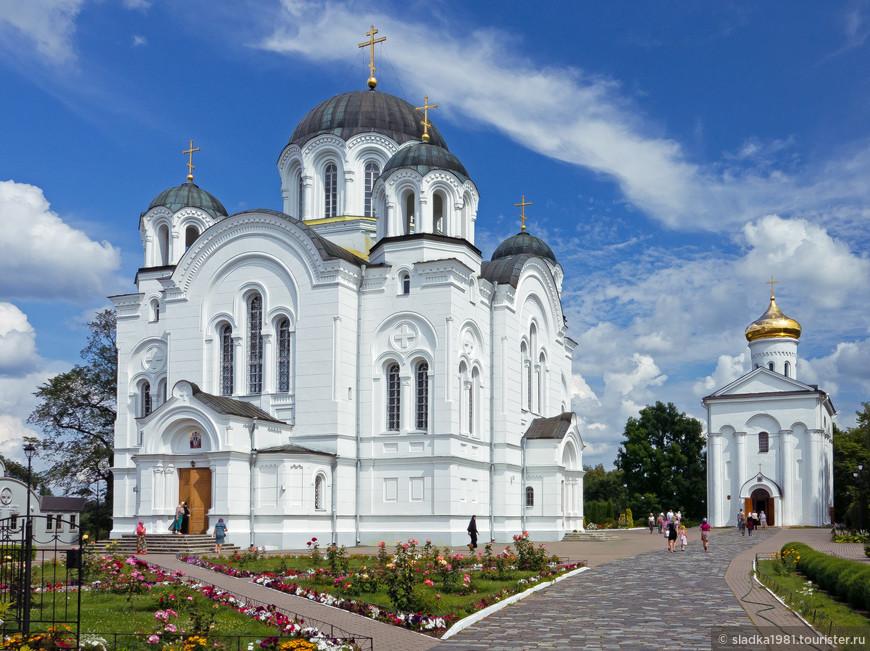 Спасо-Ефросиньевский женский монастырь основан святой княгиней Ефросиньей Полоцкой в 1125 году.Центр духовной жизни Полоцка,одна из главных достопримечательностей города.