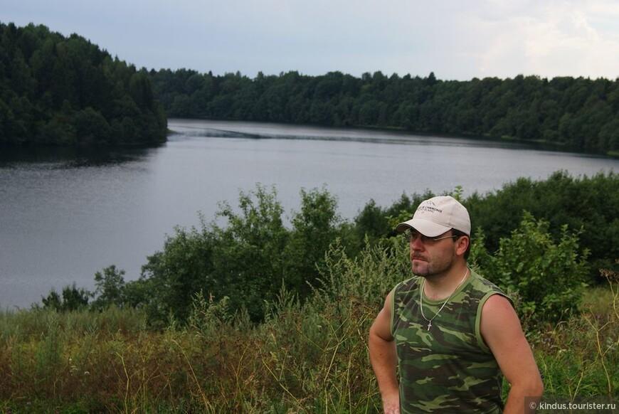 Гляжусь в озёра синие...