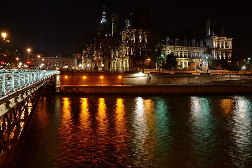 Вид на Отель Де Виль