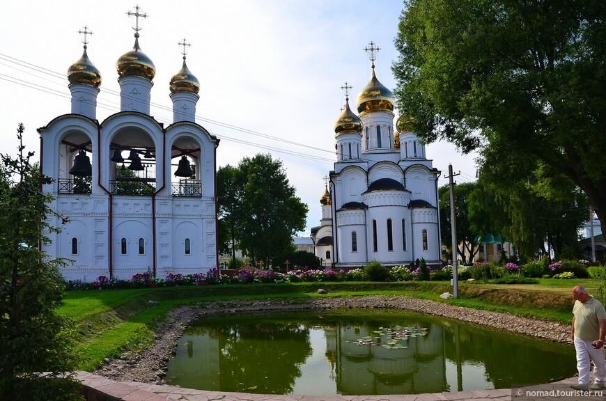 Никольский монастырь. Никольский собор и колокольня