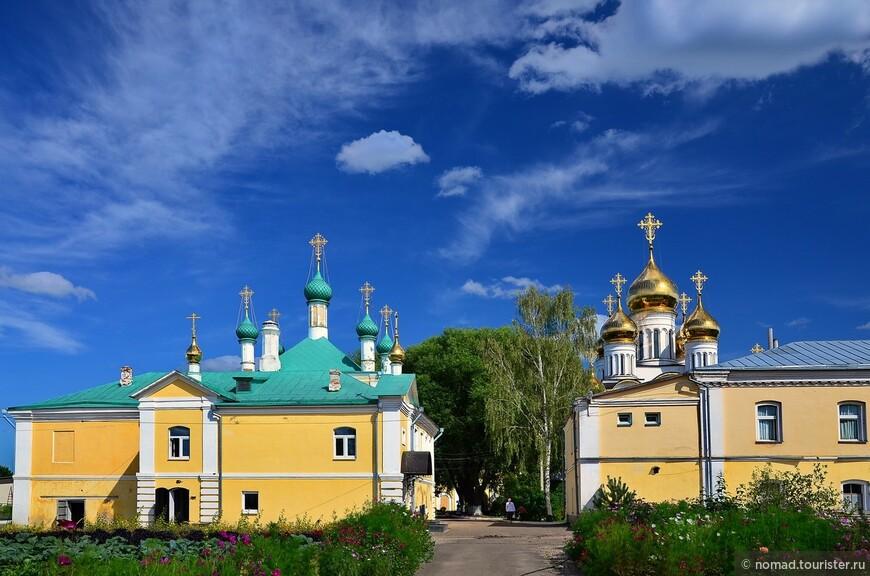 Никольский монастырь.Благовещенская церковь