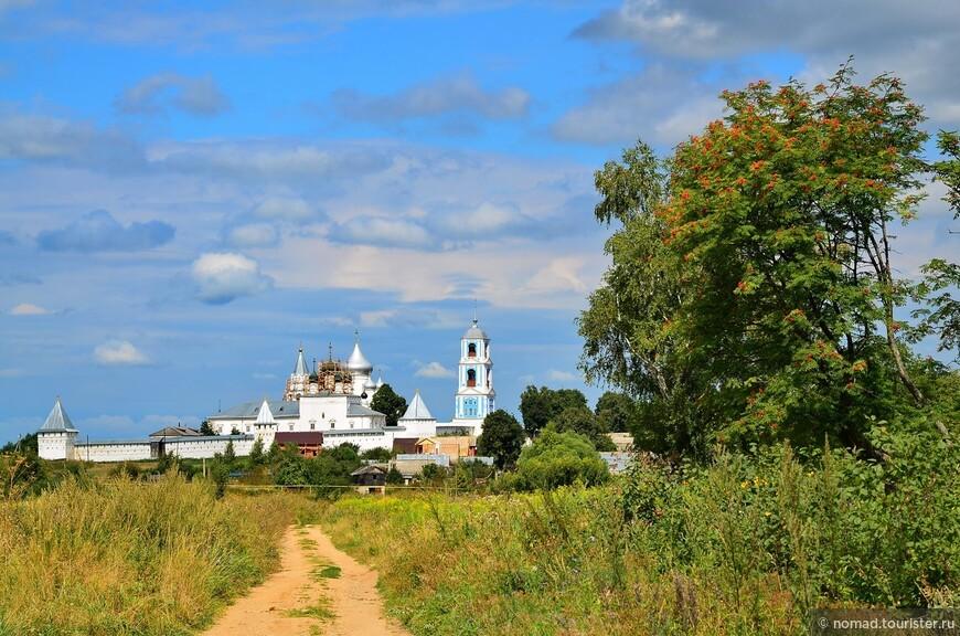 Вид на Никитский монастырь
