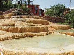 Из-за дождей в тайской провинции туристам запретили купаться в минеральном источнике